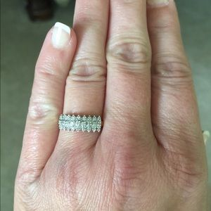 Jewelry - Size 6 sterling silver ring